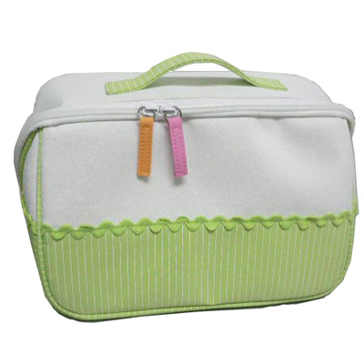 Easy carry diaper bag